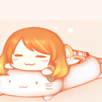 ネコさん抱き枕の上で寝る